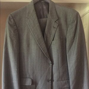 Men's suit by Dillard's Gray/white/gold